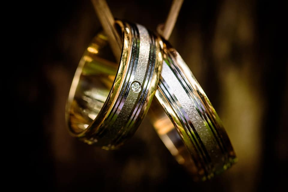 silver-and-gold-couple-ring