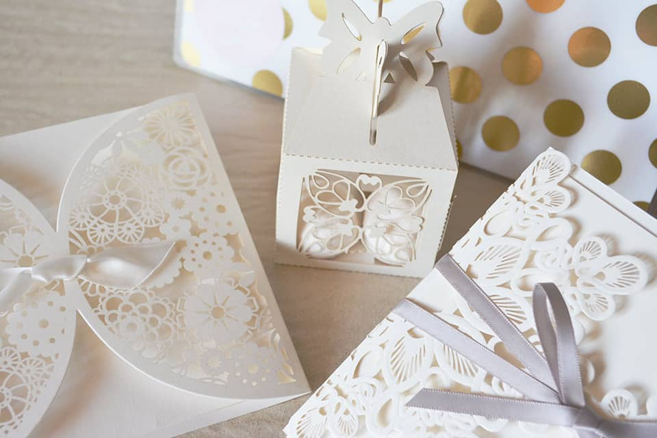 wedding favors and invitations