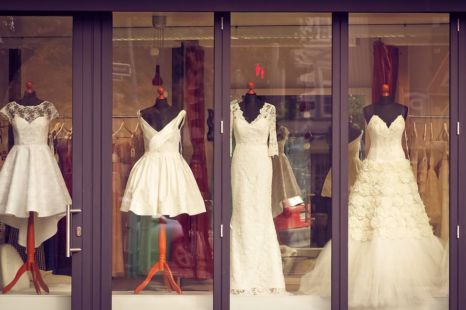 shop with wedding dresses